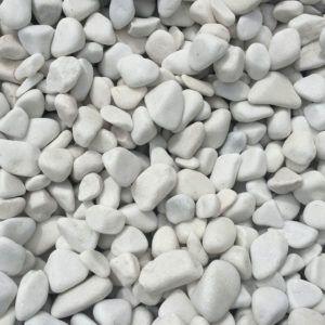 Galet marbre blanc paillage minéral et aménagement de jardin à Esvres en Indre et Loire