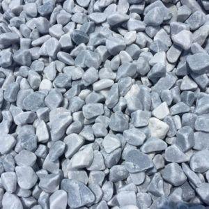 Galet marbre gris paillage minéral et aménagement de jardin à Esvres en Indre et Loire