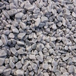 Galet marbre gris bleu paillage minéral et aménagement de jardin à Esvres en Indre et Loire
