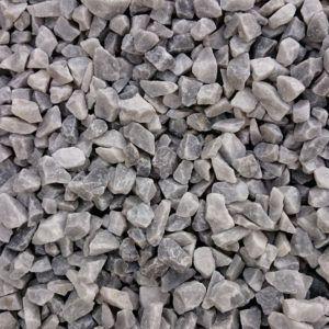 Gravier marbre gris bleu paillage minéral et aménagement de jardin à Esvres en Indre et Loire